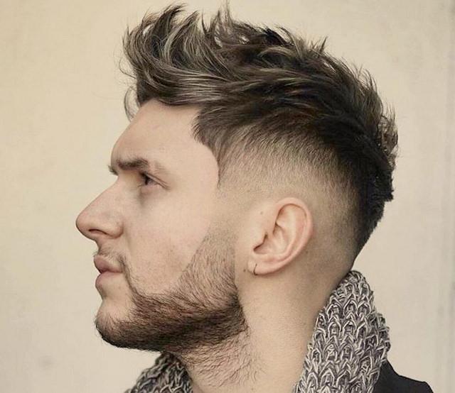 Stílusos frizura, hajbeültetés után